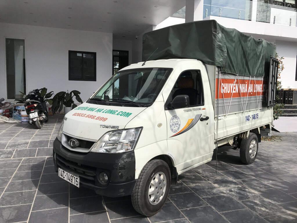 Xe tải chở hàng Hạ Long